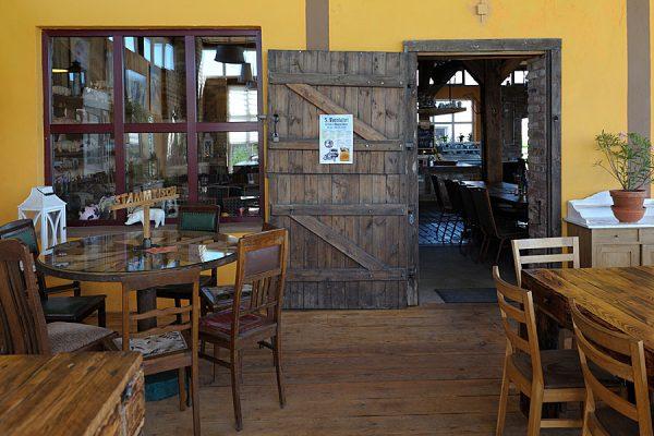 """Stammtisch im Restaurant """"Zur Scheune"""" vom Bauernhof Lange in Lieschow auf Rügen"""