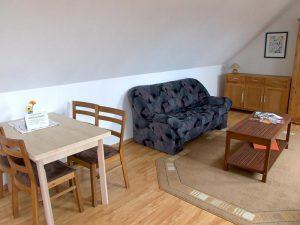 Wohnzimmer der Ferienwohnung auf dem Bauernhof Lange in Lieschow bei Ummanz auf Rügen