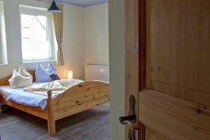 Schlafzimmer der Fewo von Bauer Lange in Lieschow auf der Insel Rügen