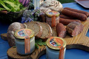 Frische Produkte aus der Region im Hofladen von Bauer Lange in Lieschow auf Rügen