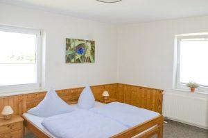 schlafzimmer-ferienwohnung-ummanz-bauer-lange-fewo-7